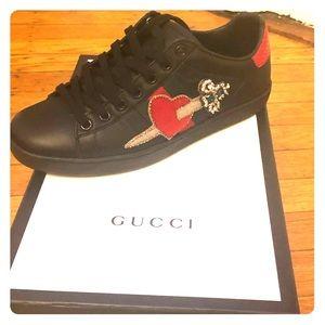 Women's Gucci sneakers. Like new